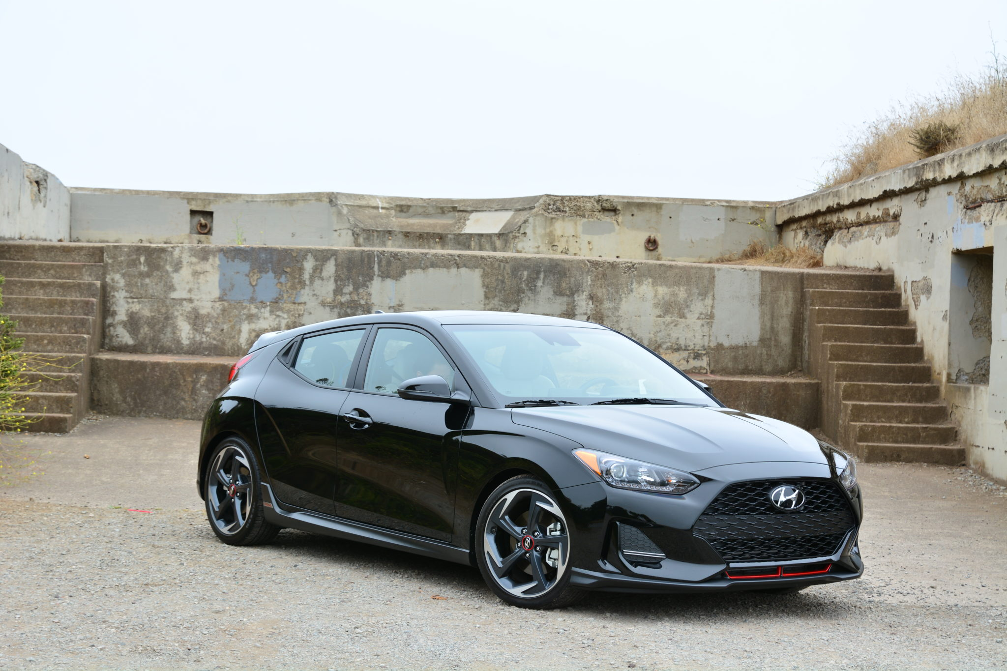 2019 Hyundai Veloster Turbo Ultimate Black C Magazine